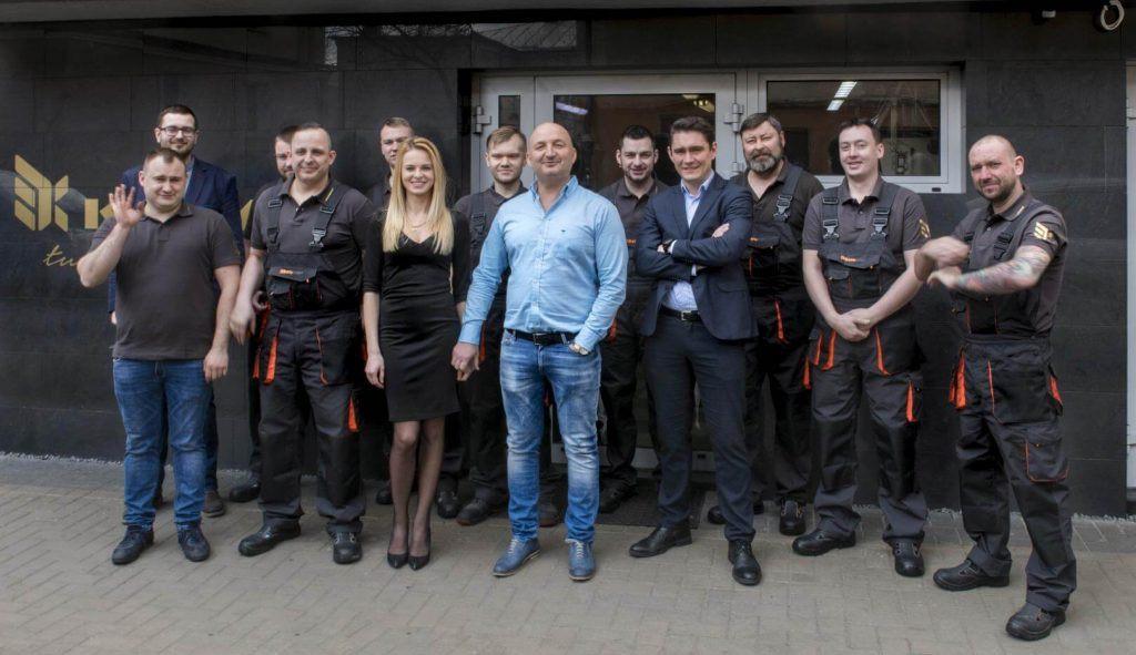 pracownicy i szefostwo firmy Krymar